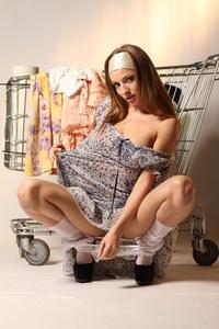 http://img264.imagevenue.com/loc355/th_999863460_tduid300163_MetArt_Entita_Alyssa_A_high_0057_123_355lo.jpg