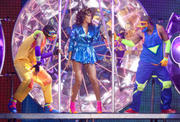 th_15031_RihannaperformsinAntwerp22.10.2011_40_122_411lo.jpg