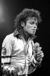 BAD TOUR VARIOUS  Th_54099_Michael_Jackson_3_122_537lo