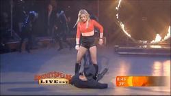 http://img264.imagevenue.com/loc474/th_654209427_BritneySpears_WomanizerLiveonGoodMorningAmericaonGMA.avi_20130618_215653.031_122_474lo.jpg